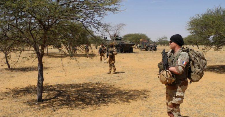 الجيش الفرنسي ينفي مسؤولية تنظيم داعش عن حادث تصادم مروحيتين عسكريتين في مالي