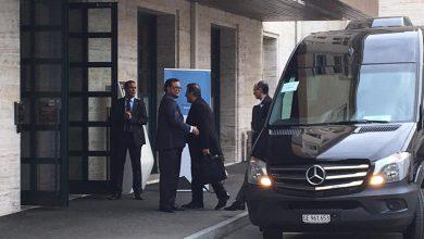 وصول الوفود المشاركة في اللجنة الدستورية السورية إلى مقر الاجتماع في جنيف