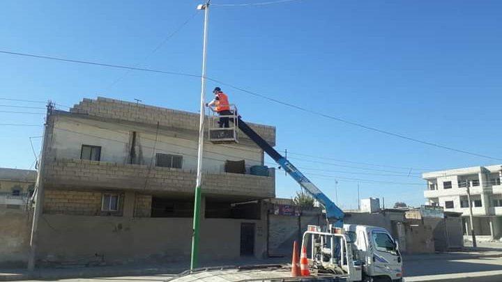 بلدية الطبقة: مشاريع الإنارة مستمرة في المدينة